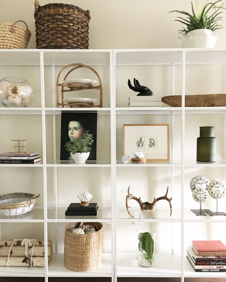 Bookcase styling. (IKEAVittsjo)